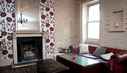 mundays lounge